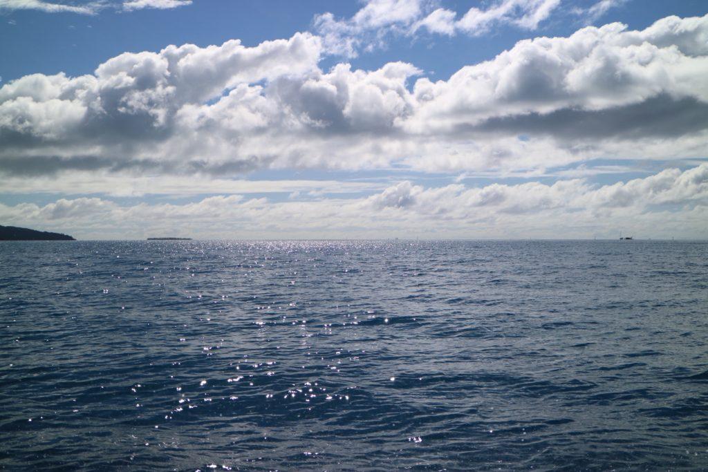 タハア島ル タハアアイランド リゾートスパへ向かうまでの海