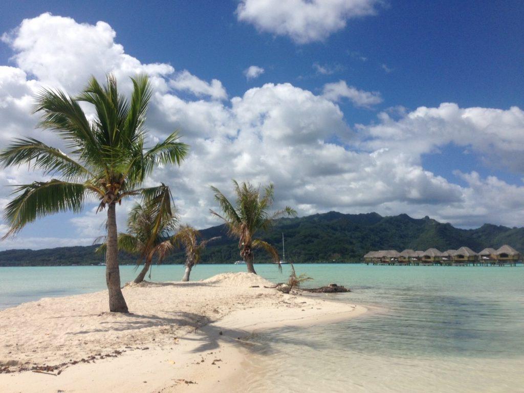 タハア島ル タハアアイランド リゾートスパのモツから眺める光景
