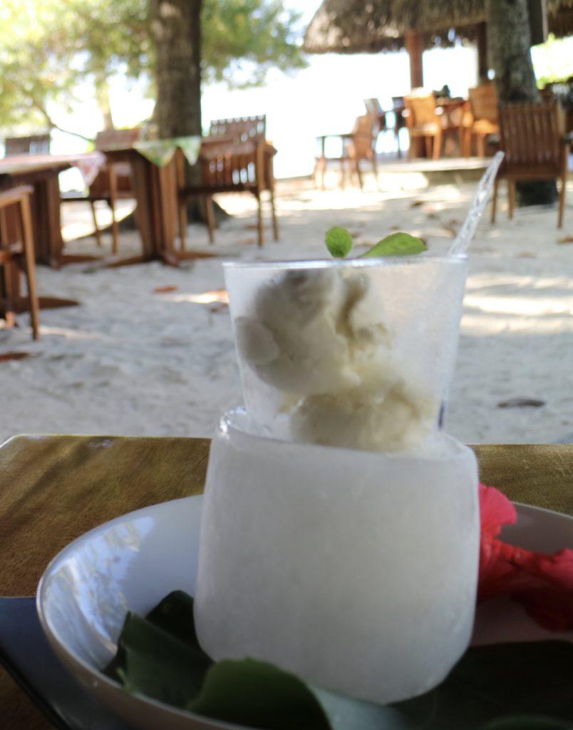 タハア島ル タハアアイランド リゾートスパで食べたバニラアイスクリーム