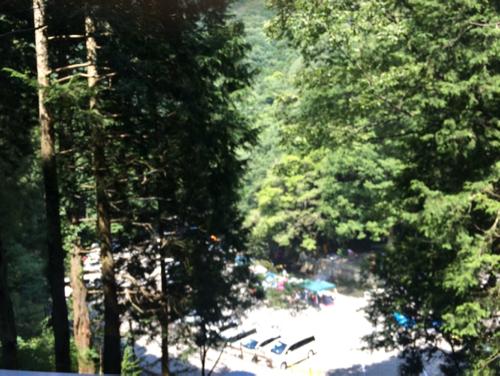 滝畑湖畔バーベキュー場の駐車場