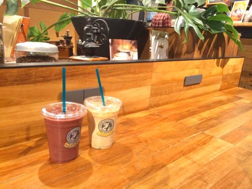 ホノルルコーヒーのカフェ店内