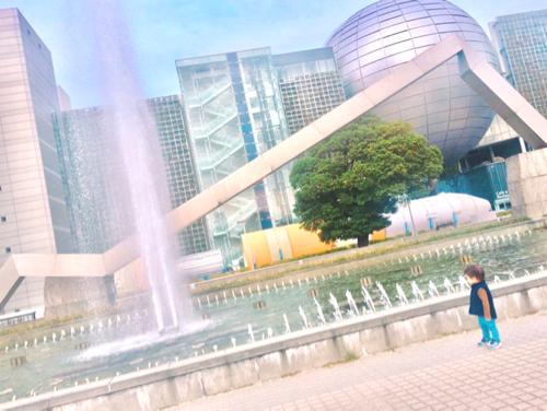 名古屋市科学館と噴水広場