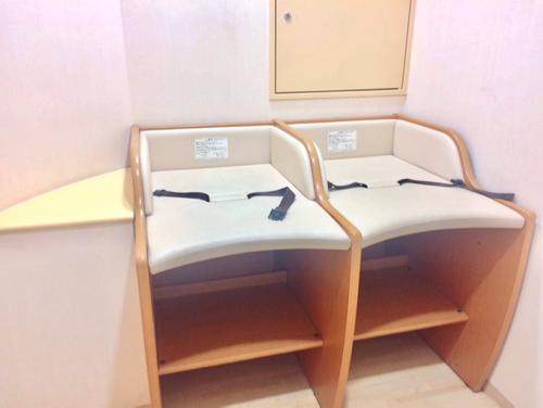 名古屋市科学館のおむつ替え台